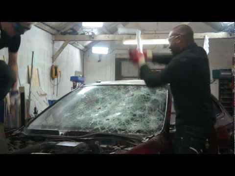 Gadget Geeks behind the scenes – Rory and Colin smash up a car