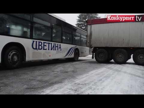 ТИР блокира изхода на Враца