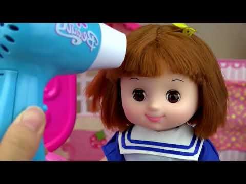 Kids / at hairdresser