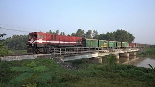 Dien Chau Vietnam  city photos gallery : 12 Trains passing in Dien Chau District, Nghe An Provincve, Vietnam (2015)
