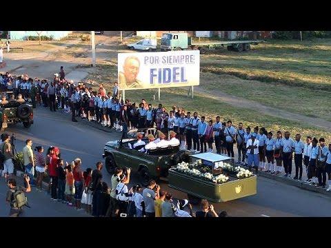 Στο κοιμητήριο της Σάντα Ιφιγένεια, τάφηκε η λάρνακα με την τέφρα του Φιντέλ Κάστρο