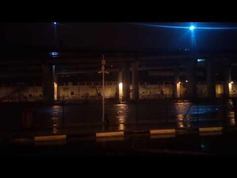 Pescara, fiume in allerta esondazione: black out in città VIDEO
