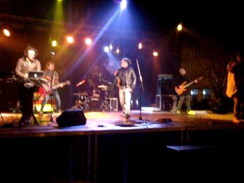 Animal X ft J.Yolo - Unii dintre noi LIVE Revelion 2011 Oradea (видео)