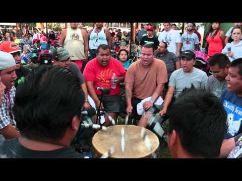 North Bear - United Tribes Powwow 2014 6 Push-ups