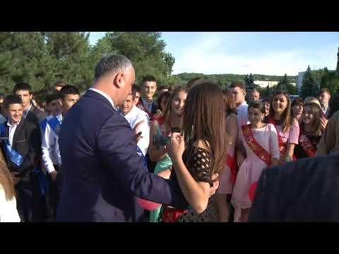 Președintele Igor Dodon a participat la Gala absolvenților din raionul Taraclia și din Găgăuzia