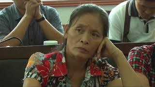 Đồng chí Phó Chủ tịch UBND tỉnh Vũ Văn Diện đối thoại giải quyết khiếu nại của một số hộ dân khu Tân Lập (Phương Đông, TP Uông Bí)