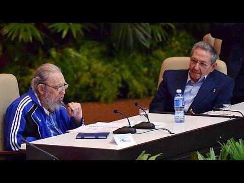 Κούβα: Ο Φιντέλ Κάστρο «έκλεψε» την παράσταση στο συνέδριο του Κομμουνιστικού Κόμματος