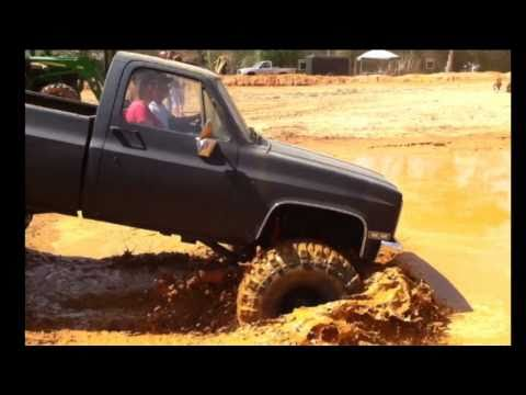 CHEVY SB WITH 44's and Dana 60 MUDDIN AT SHORTY'S