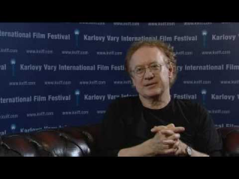 Boriboj - In this interview, recorded at the Karlovy Vary IFF in the Czech Republic in July 2009, Polish director Robert Gliński discusses his film Piggies, Świnki.