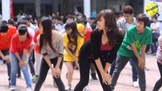 """FLASH MOB """"Gangnam style"""" chào K57 - Đại học Xây Dựng ( NUCE ) VIET NAM - OFFICIAL VIDEO-"""