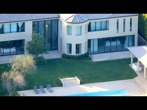 Kanye West Resting At Home In Bel Air