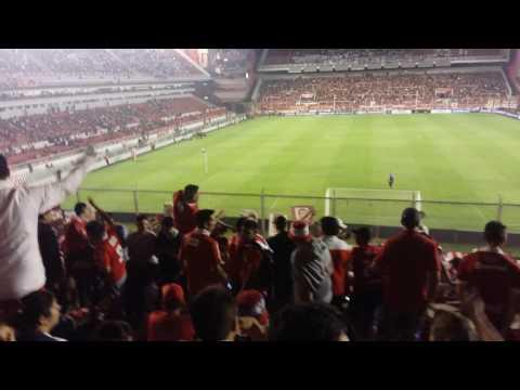 """""""SE QUE LA ACADEMIA CHAMUYA Y NO SE PLANTA..."""" Practicando el tema nuevo. Ritmo Despacito - La Barra del Rojo - Independiente - Argentina - América del Sur"""