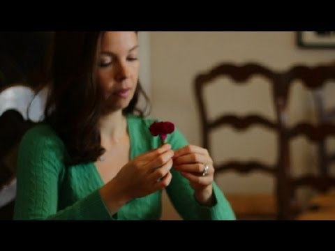 How to Make Boutonnieres Out of Carnations : Wedding Flowers