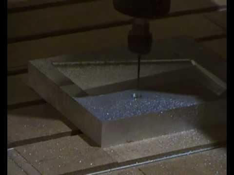 moldes de aluminio - Fresadora CNC MECANICAM MX 1000 1325 mecanizando molde de aluminio. (Matriceria)