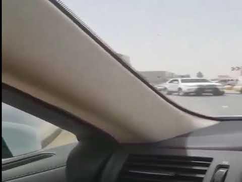 العرب اليوم - شاهد: رد فعل أشخاص مع سائق سيارة مُتهوّر