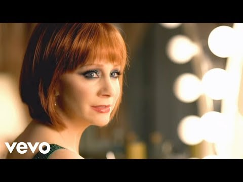 Video Kelly Clarkson - Because Of You