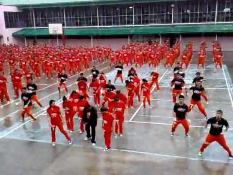 """Im Philippinischen Gefängnis gehts voll ab zu """"Gangnam Style"""""""