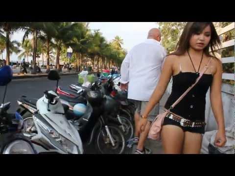 Drunk Tourist Pattaya Thailand Curb Stomping