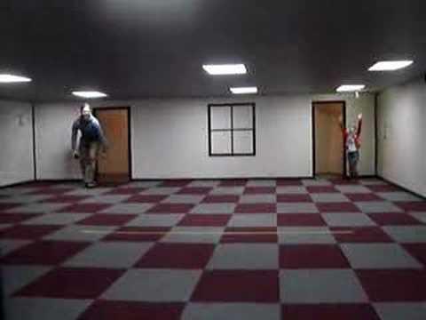 小叮噹的變大變小房間,走進去的人都會改變體型…