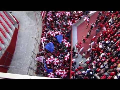 Entrada de la hinchada de Independiente - La Barra del Rojo - Independiente