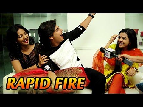 Video Abhinay Berde, Aarya Ambekar's Candid RAPID FIRE | Ti Saddhya Kay Karte | Marathi Movie 2017 download in MP3, 3GP, MP4, WEBM, AVI, FLV January 2017