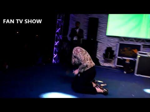 سقوط مروى اللبنانية أثناء الغناء في حفل الغردقة