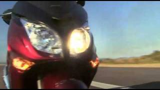 3. Superbike Scooter Honda SilverWing 400GT Commercial
