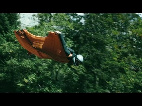 Point Break (Featurette 'Wingsuit Flying')