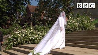 Video Beautiful Meghan Markle arrives in exquisite wedding dress - The Royal Wedding - BBC MP3, 3GP, MP4, WEBM, AVI, FLV Oktober 2018