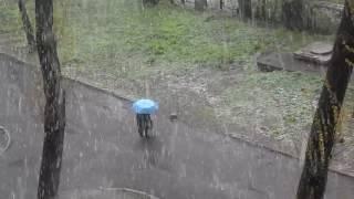"""Snow in the spring. UkraineApril 18, 2017Sleet, cold, frost//////////////////////////////////////////////////////////////////////////////////////////////////////Снег весной. Украина. Весна 2017видео18 апреля 2017гарктический циклонмокрый снегзаморозкисущественное похолодание///////////////////////////////////////////////////////////////////////////////////////////////////////В УКРАИНУ ПРИШЛО СУЩЕСТВЕННОЕ ПОХОЛОДАНИЕ С ДОЖДЯМИ, МОКРЫМ СНЕГОМ И НОЧНЫМИ ЗАМОРОЗКАМИ ////////////////////////////////////////////////////////////////////////////////////////////////////18-22 апреля в связи с вторжением арктического воздуха ожидается холодная погода: ночью заморозки в воздухе 0-5°С, на поверхности почвы 3-8°С, температура днем 2-9°С тепла. В южных, восточных и большинстве центральных областей дождь с мокрым снегом, местами сильные осадки, порывы ветра 15-20 м/с. Вероятно, большая часть цвета плодовых деревьев померзнет"""", - предупреждает Укргидрометцентр ///////////////////////////////////////////////////////////////////////////////////////////////////////СМОТРИТЕ ЕЩЕ ВИДЕО НА МОЕМ КАНАЛЕ :ГОТОВИМ ВКУСНЫЙ КЕКС С ИЗЮМОМ ( без дрожжей) .Простой рецепт https://www.youtube.com/watch?v=rf0k-ENJJ9o//////////////////////////////////////////////////////////////////////////////////////////////////////ЛЕНИВЫЙ ПИРОГ НА КЕФИРЕ. Вкусный пирог. Пошаговый рецепт  https://www.youtube.com/watch?v=MtpRwkQbj8c//////////////////////////////////////////////////////////////////////////////////////////////////////.Драники. Картофельный рецепт.https://www.youtube.com/watch?v=_S7CjeRkJGo&t=5s/////////////////////////////////////////////////////////////////////////////////////////////////////СУПЕР ВКУСНЫЙ И СОЧНЫЙ ШАШЛЫК. ПРОСТО И ВКУСНО!!!! Выезд за город. https://www.youtube.com/watch?v=l_CzZMP9aJ0&t=9s/////////////////////////////////////////////////////////////////////////////////////// / ////////////СМЕТАННИК С ОРЕХАМИ. Пирог рецепт   https://www.youtube.com/watch?v=JM3TWTzmMfY////////////////////"""