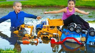 Video Bruder Toy Trucks for Kids - Playing with Toys in the Gross Mud - Diggers, Excavators, Dump Truck MP3, 3GP, MP4, WEBM, AVI, FLV November 2017