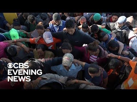 Migrant caravan reaches southern U.S. border