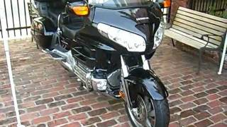 2. 2006 Honda Gold Wing GL1800 Audio / Comfort / Navi / ABS