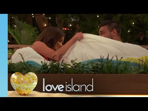 Maura Tries to Get Frisky With Tommy | Love Island 2019