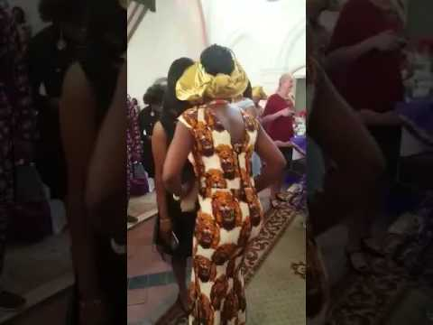 White Man Married Nigerian Girl (dancing Flavour's Ada Ada In Ishiagu Atire)