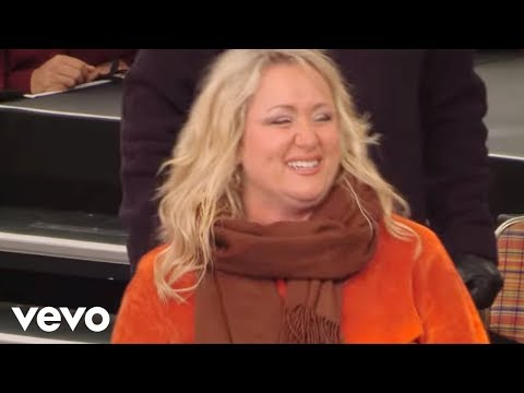 Bill & Gloria Gaither – Hope [Live] ft. The Hoppers