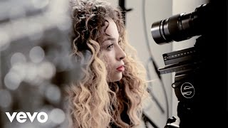 Ella Eyre - Behind The Scenes of Vevo LIFT UK - (VEVO LIFT UK) - YouTube