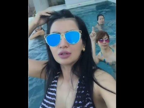 Artis Sexy Five Vi HOT Berenang cuma Pakai Bikini Di BALI