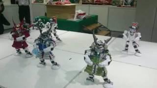 「踊る鎧かぶと」ロボ 人形工芸士と東大阪の企業がコラボ(動画あり)