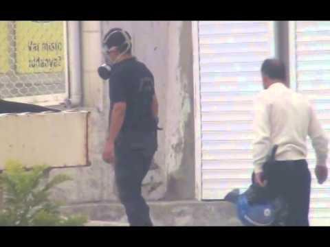 POLİSİ 'YAŞASIN IŞİD' DİYE BAĞIRIYOR