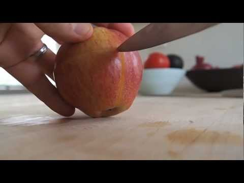 twaggies - How to create a puzzle out of an apple. http://www.twaggies.com.