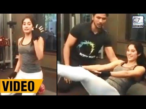Jhanvi Kapoor's FUNNY Workout Video | Dhadak