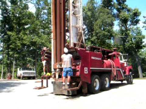 Well Drilling Rig - Curt Hargrove Auction - Sept. 18, 2010. Thayer Missouri