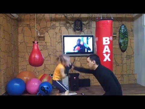 Little Girl's Incredible Boxing Skills Make Her a Viral Hit
