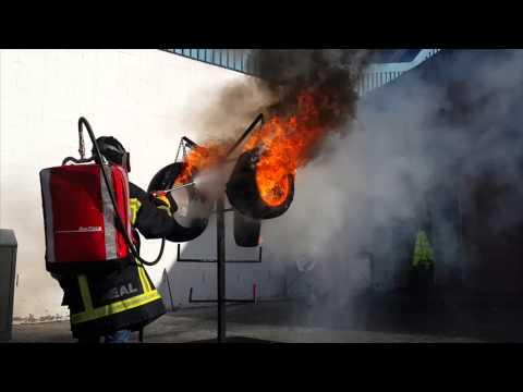 FireBug Kelly's third fire attempt - Extension lance gun, 4 tyres in diesel & petrol: