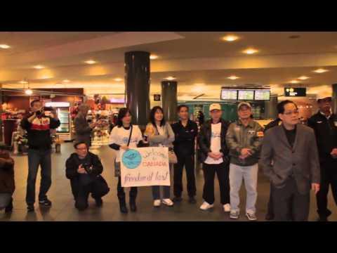 SBTN SPECIAL: Đồng hương Vancouver đón tiếp 39 người Việt tỵ nạn từ Thái Lan