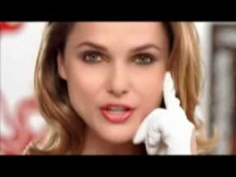 Cover Girl Double LipsShine Commercial