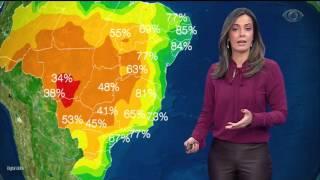 Somente no extremo Norte do país deve chover, devido à combinação de calor e umidade.