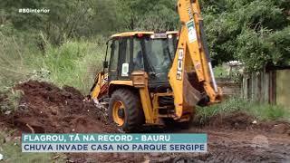 Chuva invade casa no Parque Sergipe em Bauru