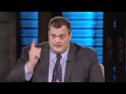 Billy Gardell  the Mike and Molly star on Lopez Tinight pt1  2/3/11